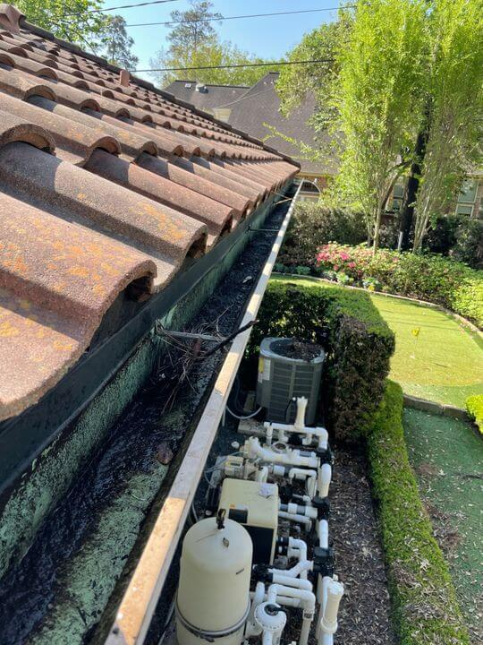 Gutter cleaning Houston
